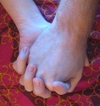 Holding_hands_2